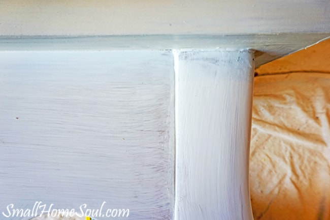 Giving a makeover to tired French End Table with a little paint is a great way to save money and update your interior at the same time. www.smallhomesoul.com