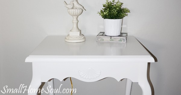 Giving a makeover to thrifted French End Table with a little paint is a great way to save money and update your interior at the same time. www.smallhomesoul.com