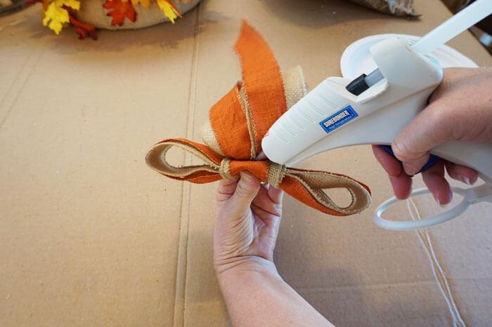 five minute fancy bow gluing