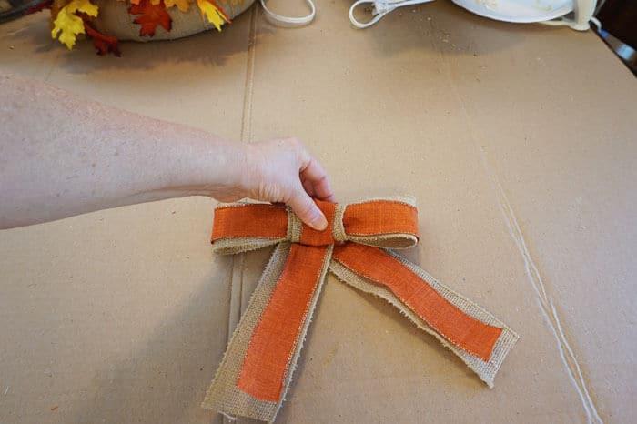 five minute fancy bow wrap