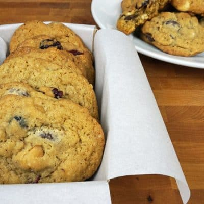 Chocolate Chip Macadamia Nut Cookies – Holiday Cookie Blog Hop