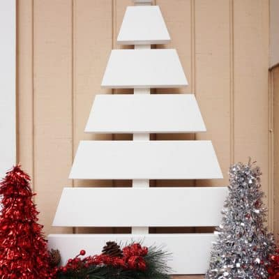 Wooden Christmas Tree – A Fun DIY Project