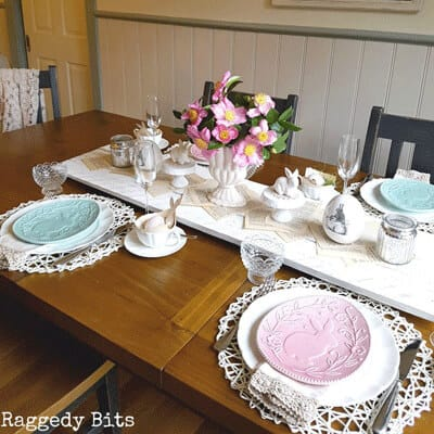 Raggedy Bits Easter Table