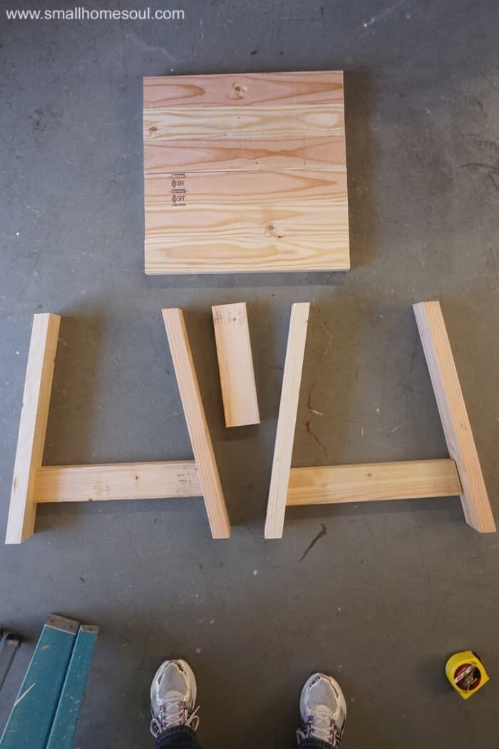 2x4 Outdoor Table parts ready to be assembled.