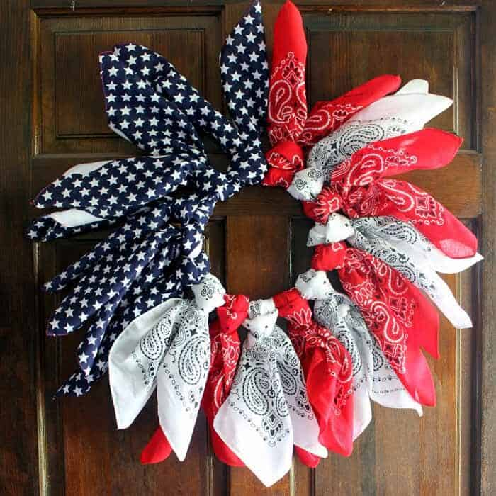 Country Chic Cottage's Easy Patriotic Wreaths with Bandanas