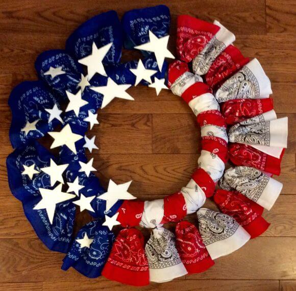 Dollar Store Craft's Easy Patriotic Wreaths from Bandanas.