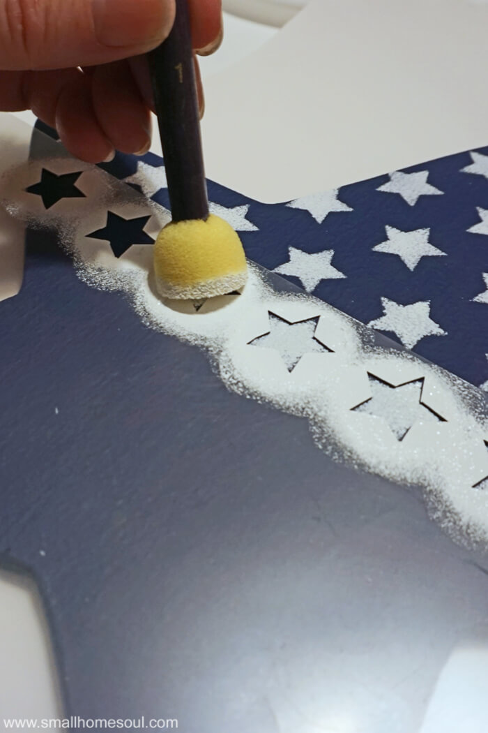 July 4th Star Tray with stars stenciled in white craft paint.