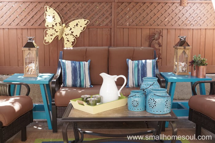 Enjoy yummy beverages in your relaxing backyard retreat.