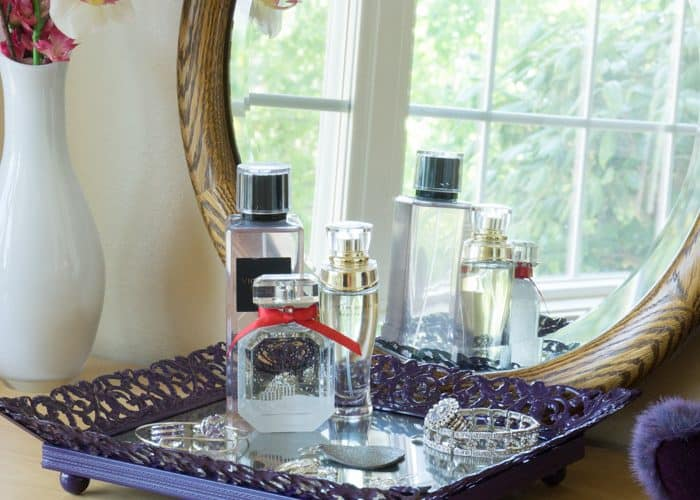 DIY Mirrored Jewelry Tray – Easy Picture Frame Upcycle
