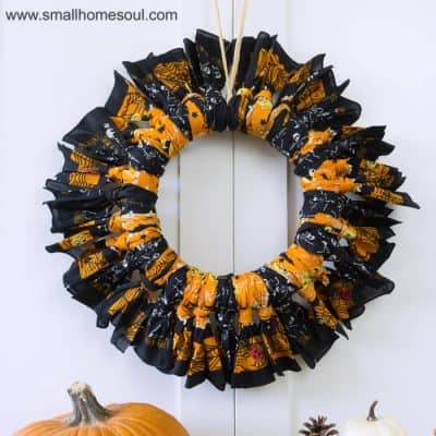Halloween Bandana Wreath- Easy Last Minute Craft