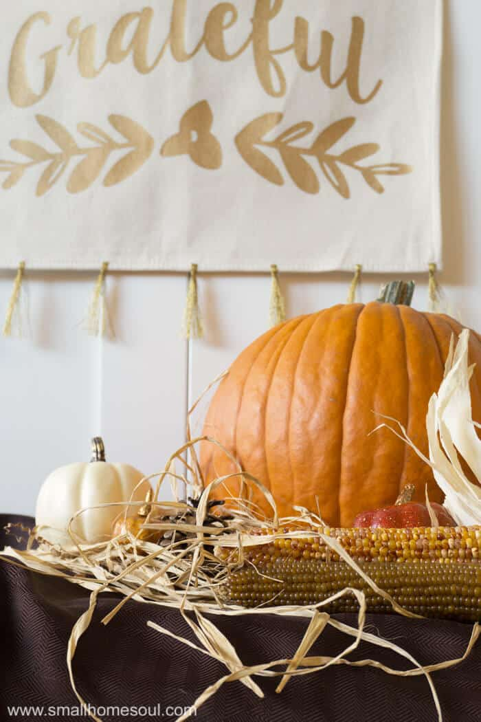 The grateful wall hanging is perfect for fall.