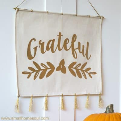Easy Grateful Wall Hanging – From a Place Mat – Handmade Holidays 2017