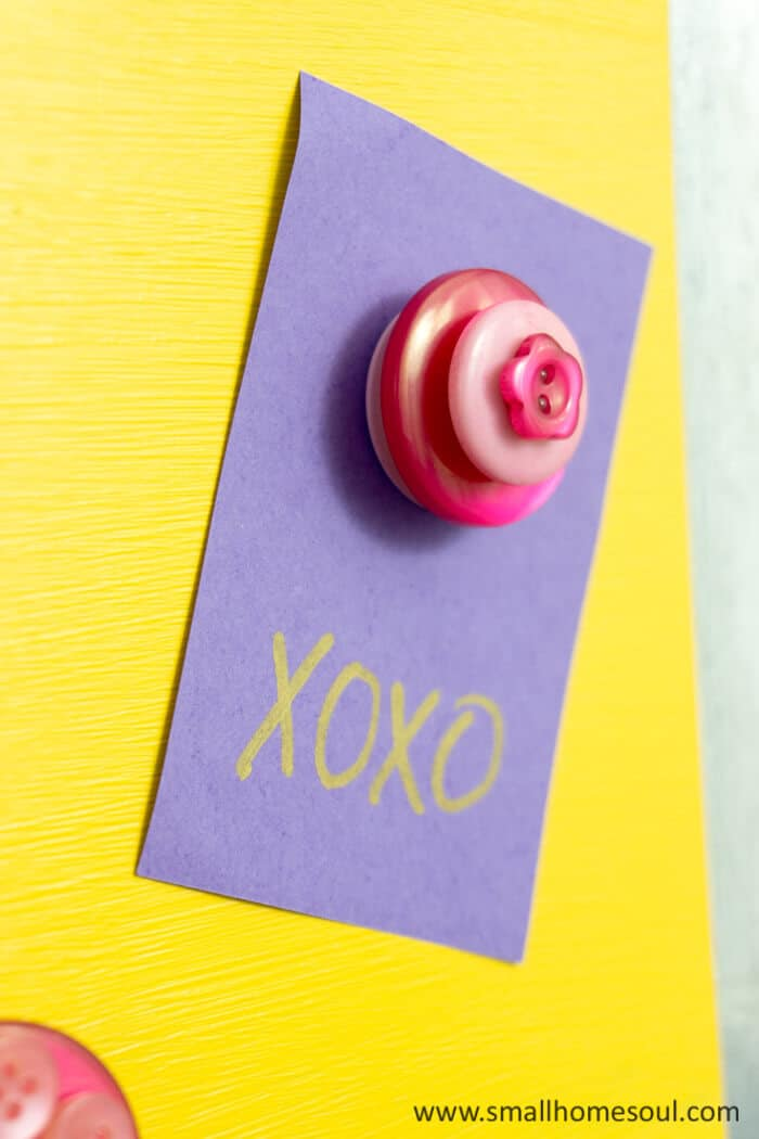 DIY Button magnet for the magnetic memo board.