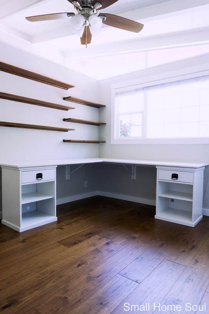 Built-in DIY L Shaped Desk is complete.