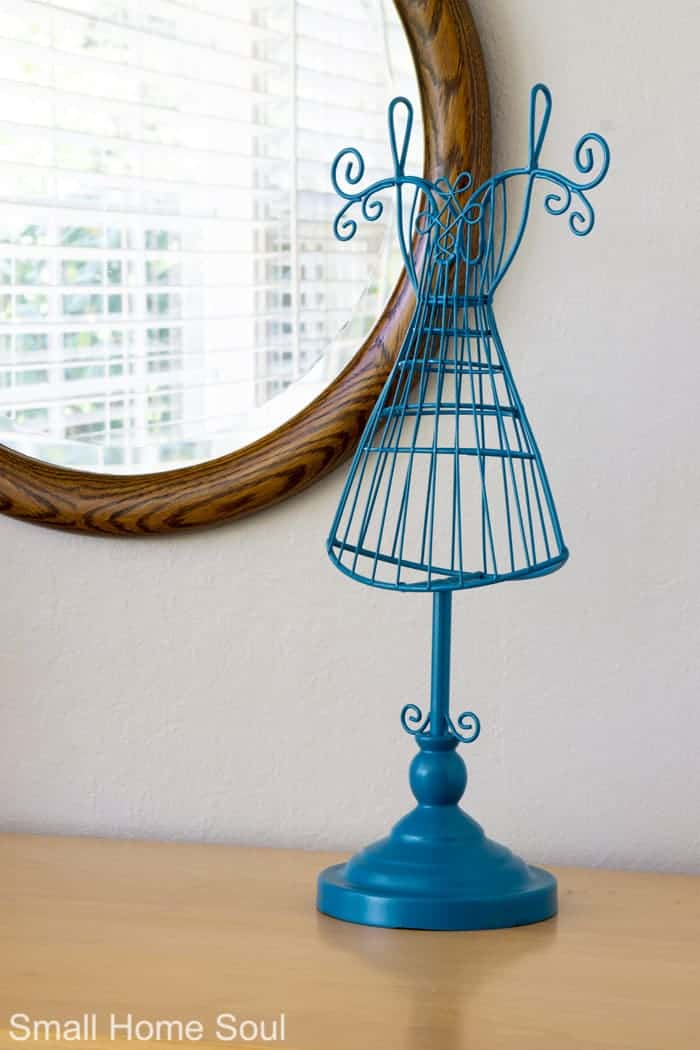 Cute jewelry holder for office makeover.