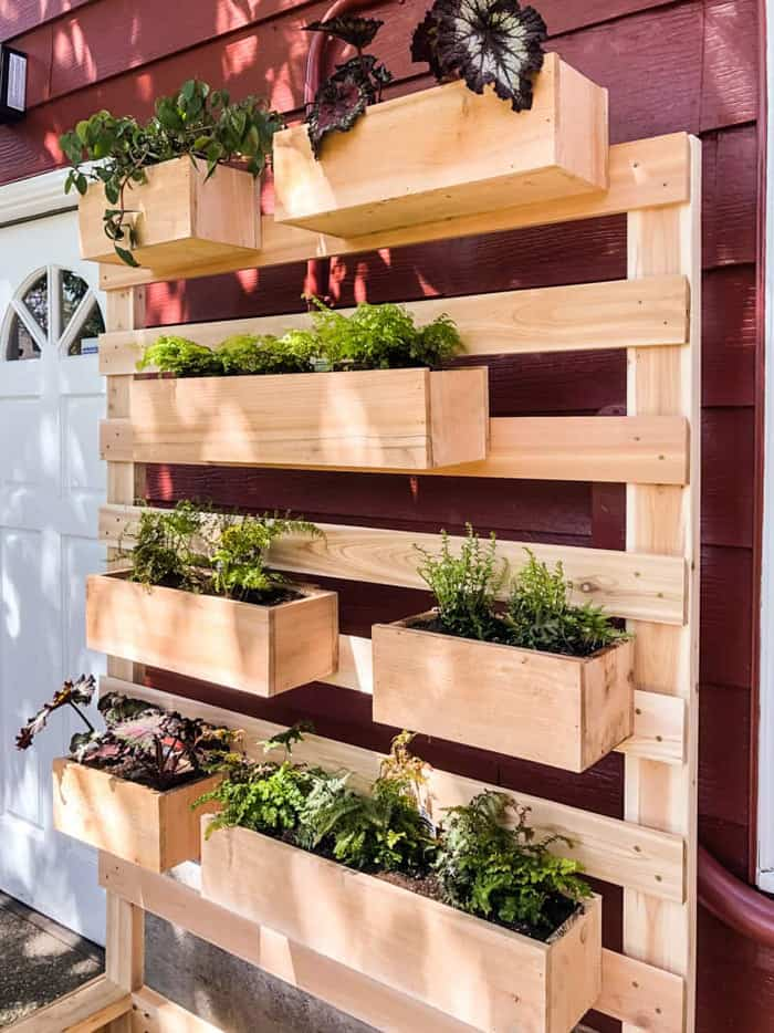 Vertical cedar wall planter outdoor diy projects for garden.