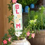 DIY Garden Signs from Fan Blades