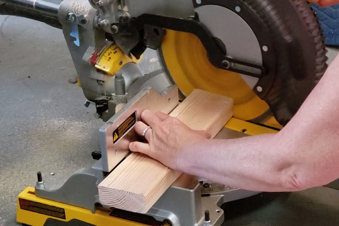 Miter cutting modern 2x4 bench leg supports