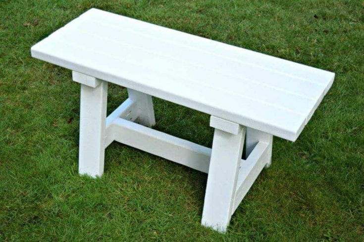DIY Farmhouse Bench for Small Tables