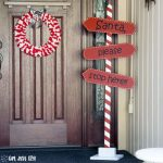 DIY Santa Stop Here Sign
