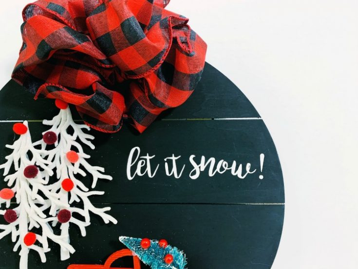 Modern DIY Wooden Christmas Wreath!