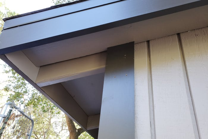 Closeup of corner trim on 8x10 garden shed.